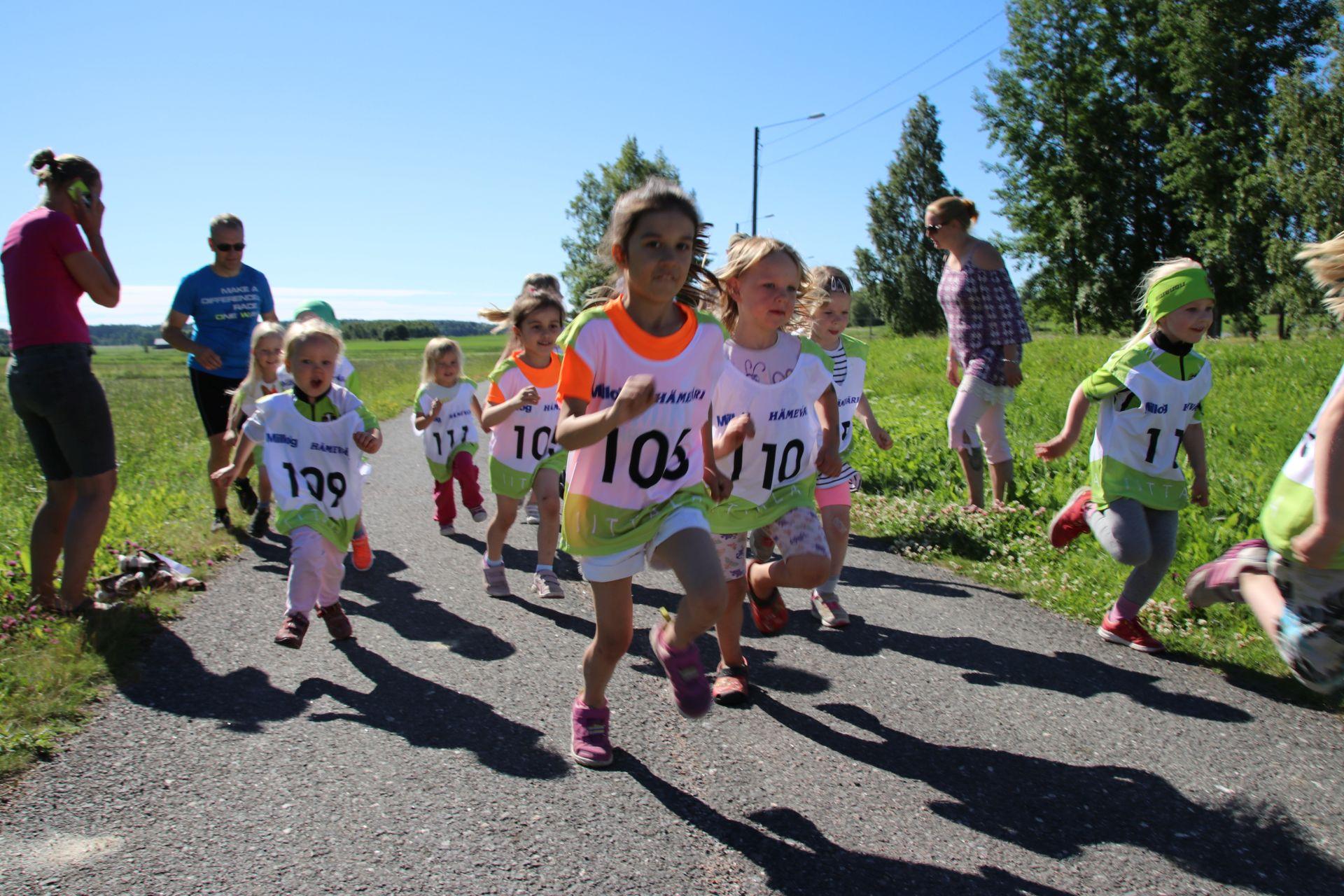 Lasten juoksun lähtö